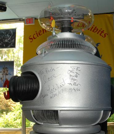 "June Lockhart & Bob Mays signatures on the HighTechScience.org's ""B9"" Robot"